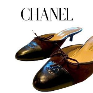 CHANEL MULES IN CHOCOLATE SUEDE & BLK LEATHER 8
